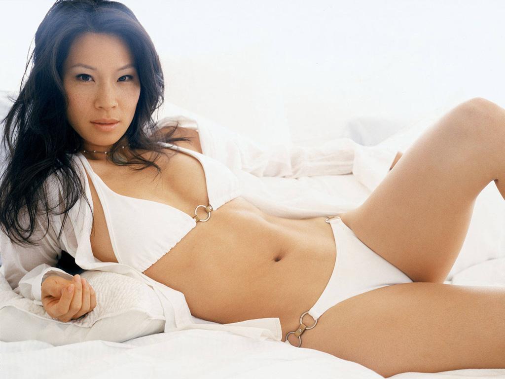 Hollywood actress : Lucy Liu Wallpaper
