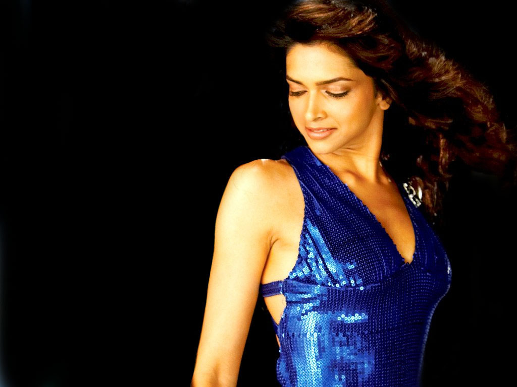 Indian Actress : Deepika Padukone ...