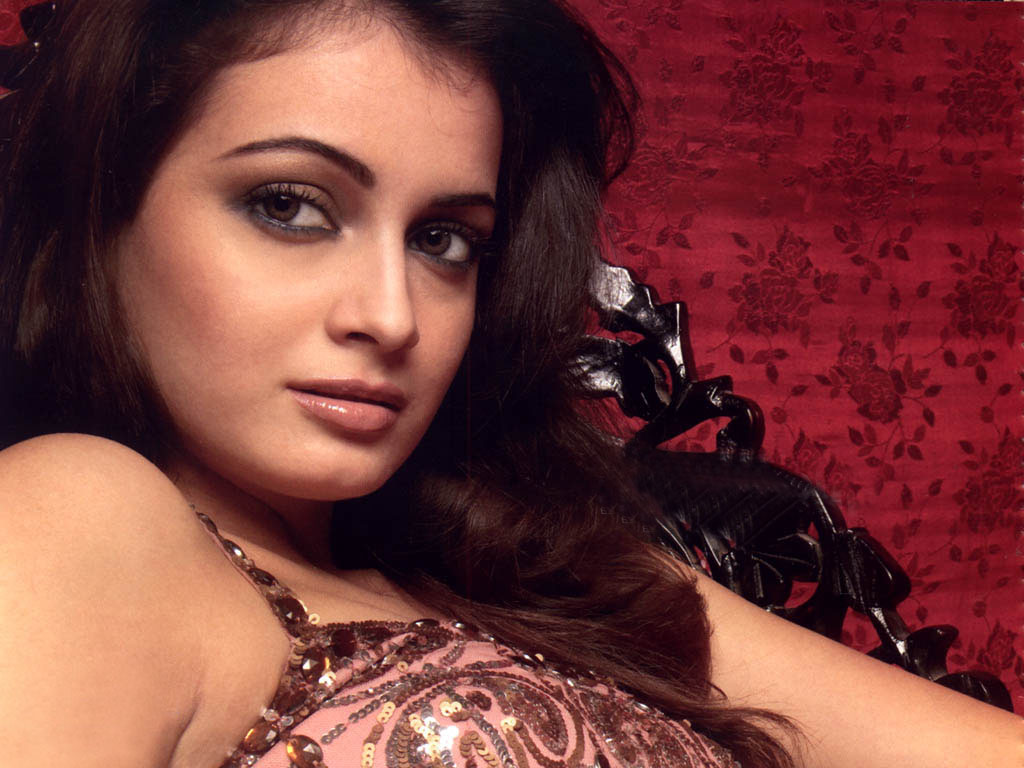 Housefullin Diya Mirza Wallpaper Free Desktop