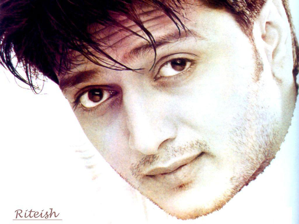 Indian actor   Ritesh Deshmukh WallpaperRitesh Deshmukh Body In Housefull